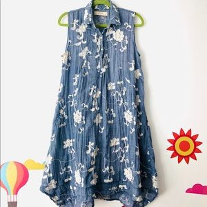 Anthropologie sleeveless floral dress blue size M